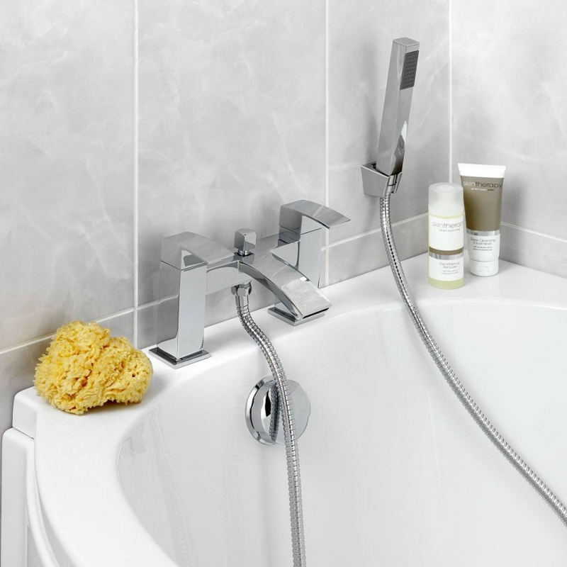 Wye bath shower mixer tap