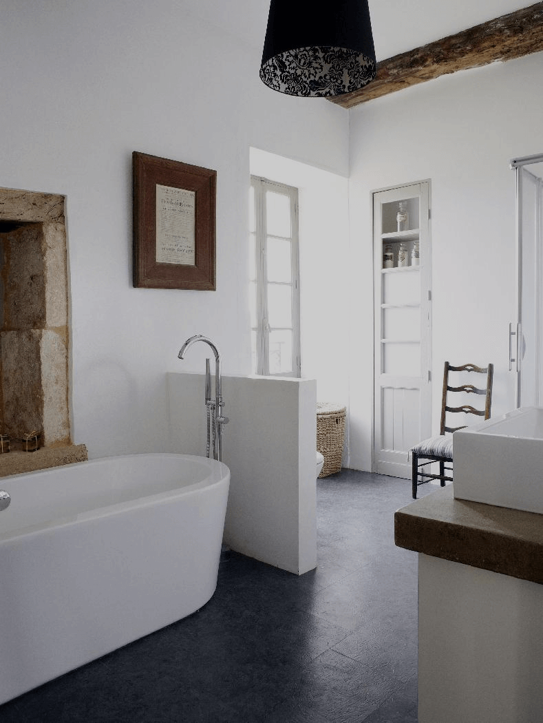 How to create a modern rustic style bathroom - Salle de bain style campagne chic ...