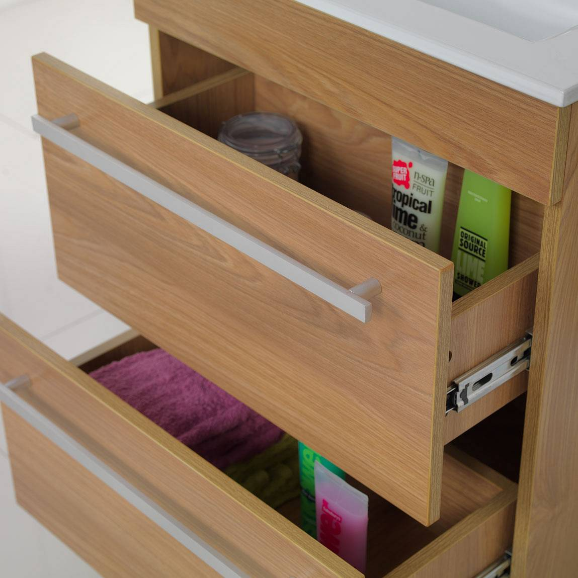 Odessa oak floor mounted 600 drawer unit & basin