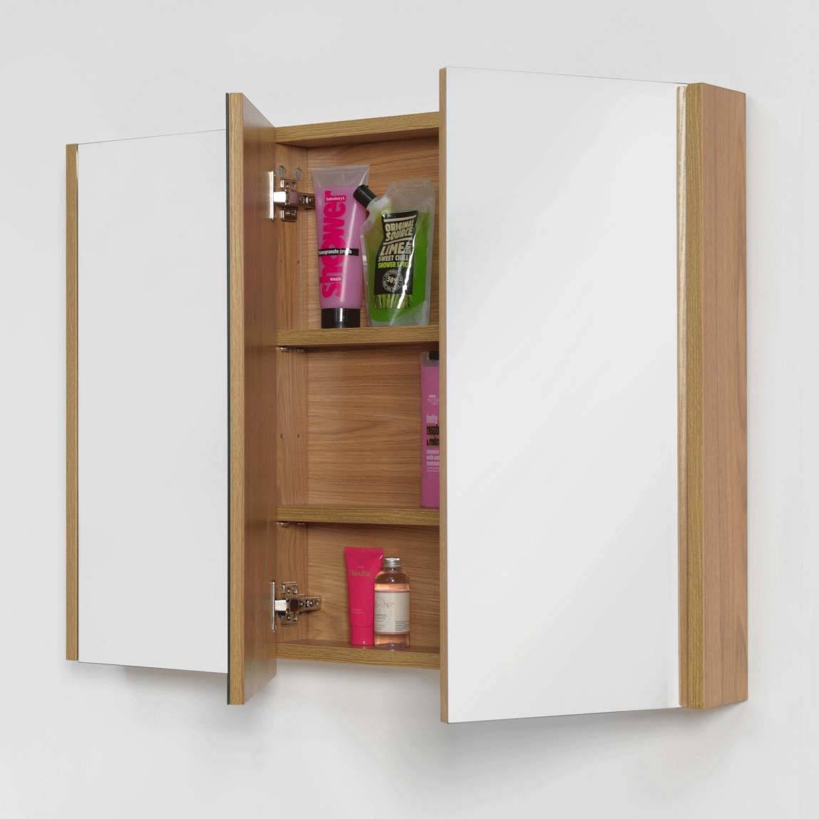 Odessa oak 3 door mirror cabinet for Bathroom cabinets victoria plumb