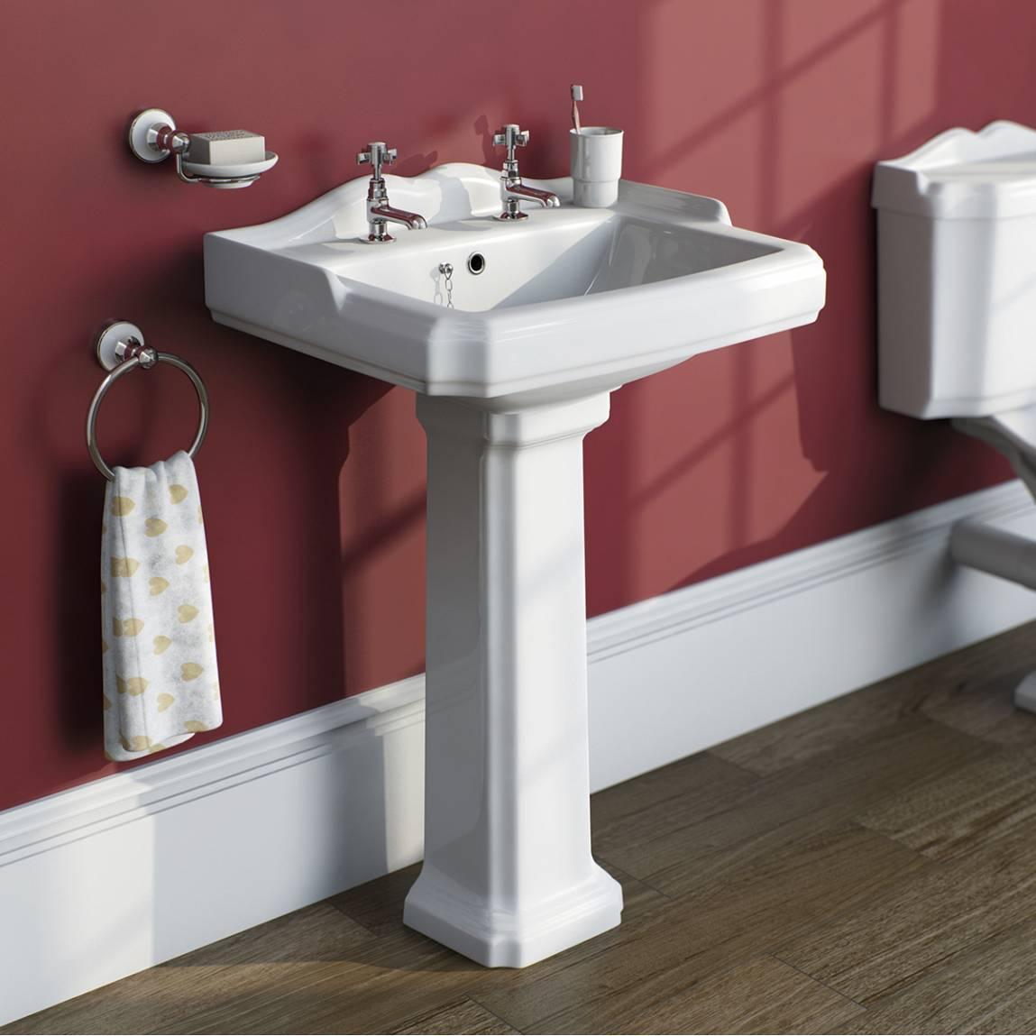 Winchester Bathroom Suite With Kensington 1700 X 700 Bath